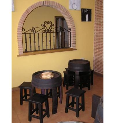 barrica mesa ref bm baja y taburetes bajos mobiliario para hostelera