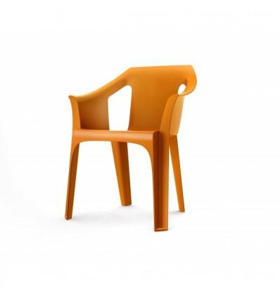 Sillas y mesas de madera tipos de silla para la terraza for Sillas tipo bar en madera