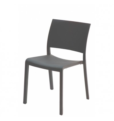 Sillas y mesas de madera tipos de silla para la terraza for Mesa y sillas madera